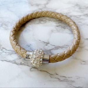 Jewelry - 🎉5/20 SALE🎉braided leather & rhinestone bracelet